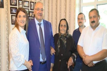 Heydər Əliyev Fondu şəhid anasına yeni mənzil hədiyyə edib