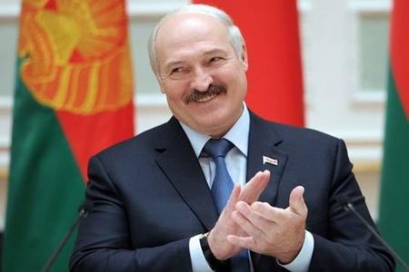"""Belarusda """"sükut günü"""" – """"Batka"""" öz kreslosunu saxlaya biləcəkmi?"""