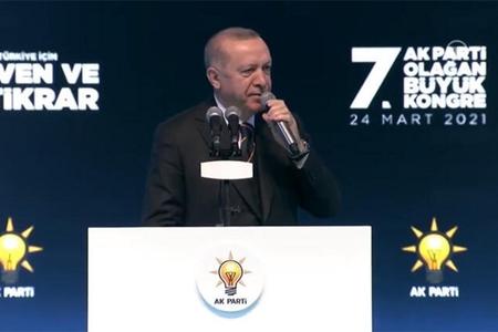 Ərdoğan yenidən AKP sədri seçilib