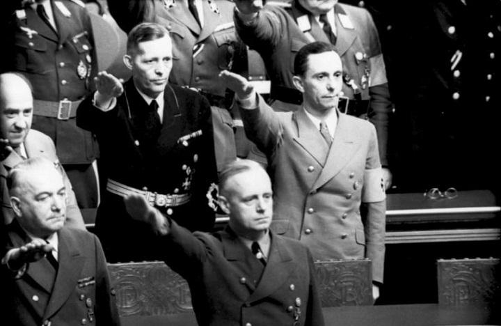 Bundesarchiv_Bild_101I-808-1236-08,_Berlin,_Reichstagssitzung,_Goebbels,_Ribbentrop.jpg (91 KB)